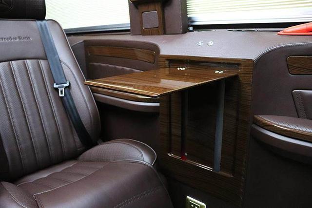 2019进口奔驰斯宾特商务车,奔驰大型七座商务车多少呢?