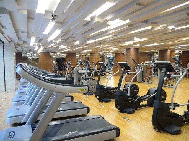 200斤的胖子健身半年减肥成功,去健身房可以帮-轻博客
