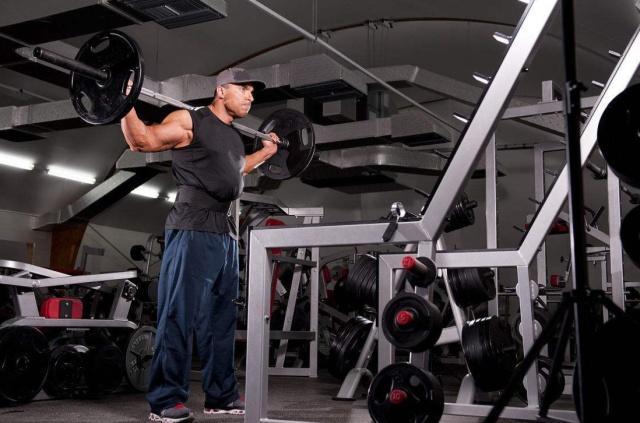 玩力量举的壮汉和健身的肌肉男比,两者肌肉有何差别?