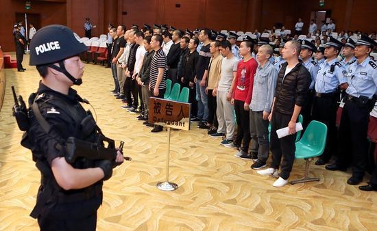 """陕西黑老大被判无期:当地县委原副书记当""""保护伞"""""""