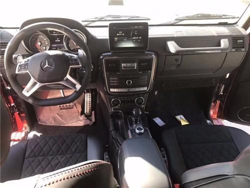 奔驰G5004×4车型几乎是将所有的驾驶特性都改变了