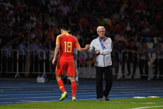 足球--热身赛:中国平巴勒斯坦(2)