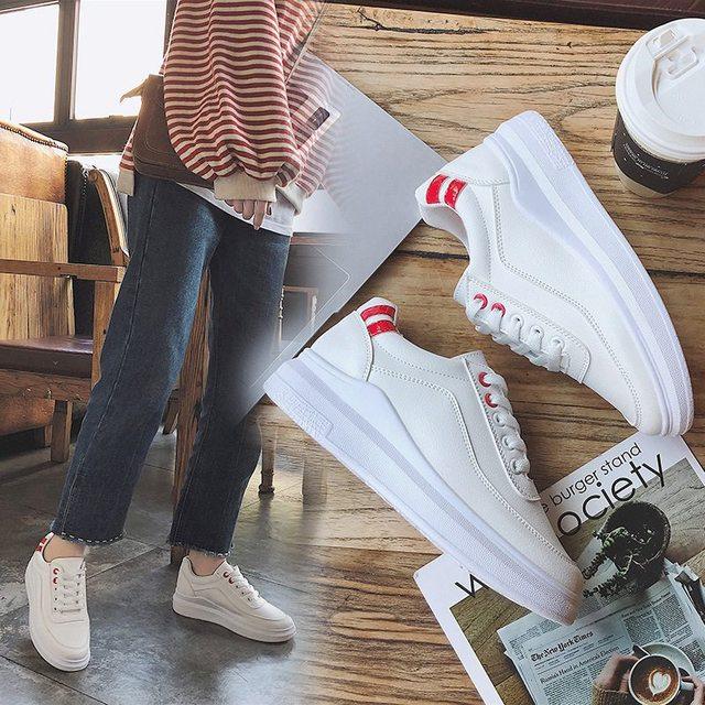上了年纪女人还穿高跟鞋?这几款休闲鞋时尚又新潮,解放脚的压力