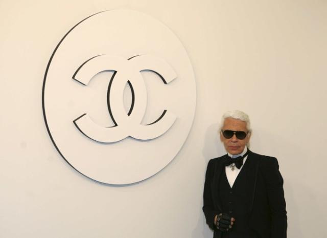 """""""老佛爷""""葬礼在巴黎低调举行 时尚界的大咖云集送别一代传奇"""