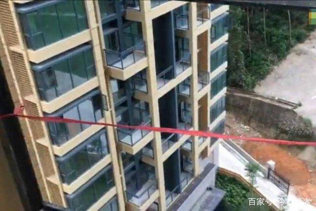 开锁工 5 楼坠亡,事故追责多人喊冤……(图1)