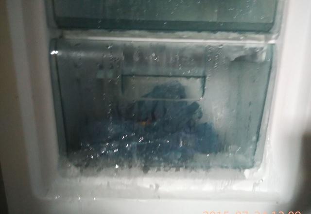 家里冰箱经常结冰还很厚又耗电,三个方法,治标又治本