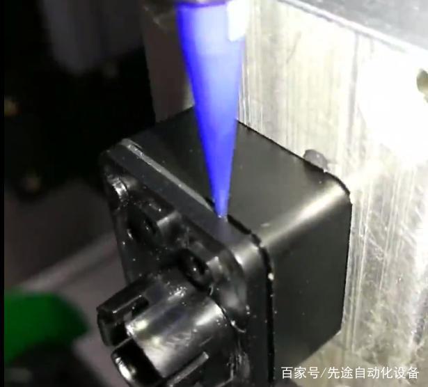 点胶机的点胶效果由什么决定?