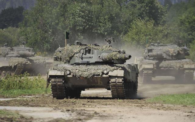 坦克退役后该怎么处理呢?解放军这种做法可谓物尽其用