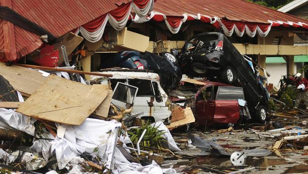印尼地震海啸已致2010人遇难 恐还有数千人被埋