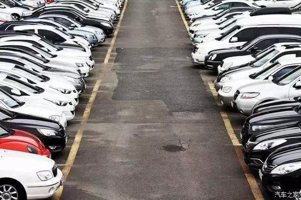 停车时为什么要车头朝外里面?倒车入库真不是白考的!插图(3)