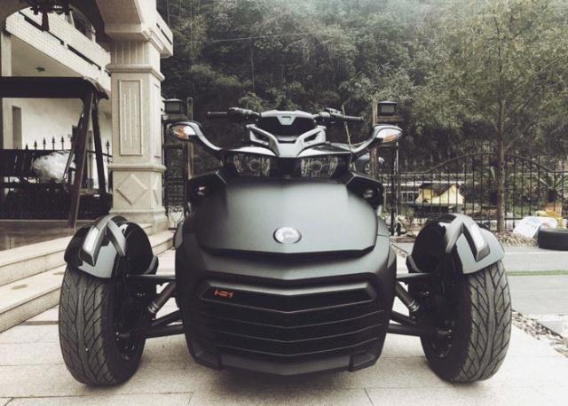 庞巴迪新款Spyder F3提车,杭州首台,帅到掉渣