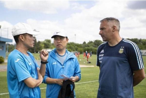 好消息!中国足球走出国门,国足小将进入阿根廷国家队基地集训